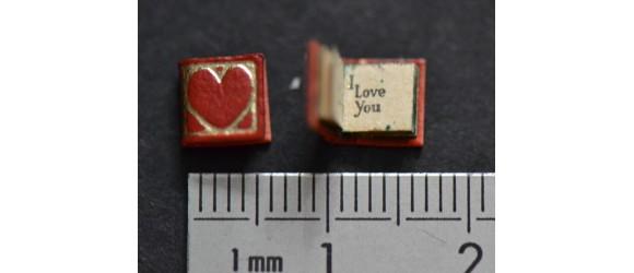 """LIVRE """" Saint VALENTIN """" -  Je t'aime,  I love you, Te quiéro  ...  Le plus petit livre du monde en CUIR ."""